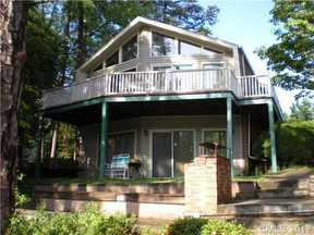Residential Sold: 410 Pinehaven Drive