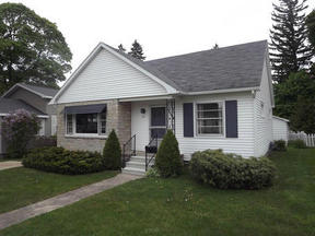 Residential Sold: 211 S Ball Street