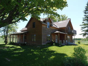 Residential Sold: 237 W Sturgeon Bay Trail