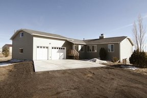 Residential Sale Pending: 2845 Cherry Way