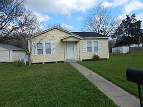 Residential Sold: 1405 N Gonzales