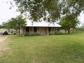 Refugio TX Single Family Home For Sale: $239,000