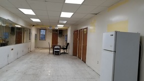 Commercial For Rent: 10607 jamaica ave #first fl