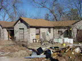 Residential Sold: 403 S. PECAN ST