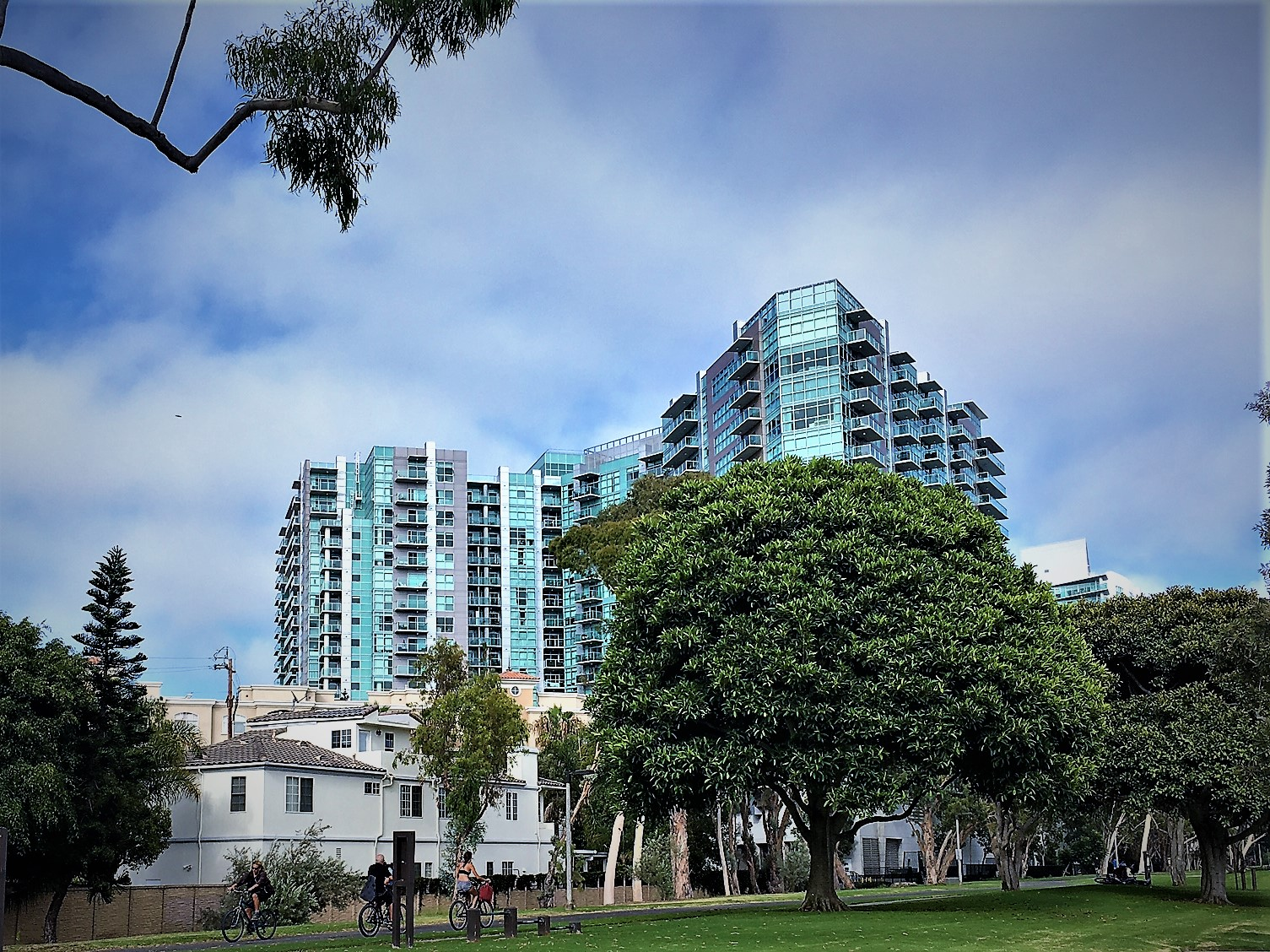 Regatta Condos Marina Del Rey For Sale or Lease