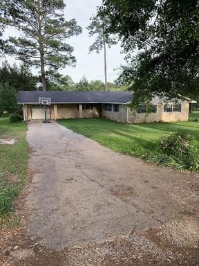 Residential Sale Pending: 171 Pine Tree Lane