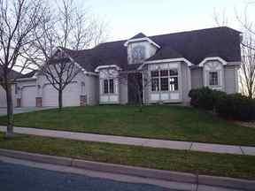 Residential Sold: 4401 S. Oakwood Hills Pkwy