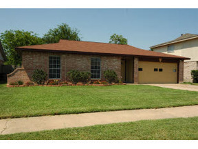 Residential Active: 6202 Silver Leaf Dr