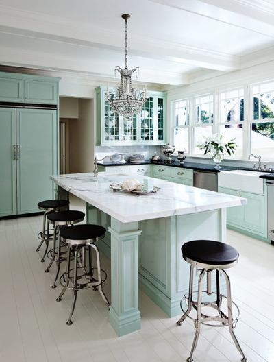 Traditional Kitchen by Ross Painting