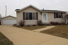 Single Family Home Sold: 39 Deerwod Ct SW