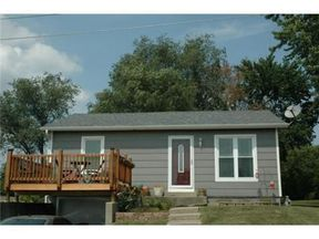 Single Family Home Sold: 912 W Royle St