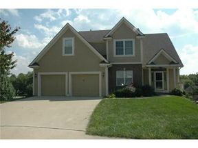 Single Family Home Sold: 705 Hawthorne Ct