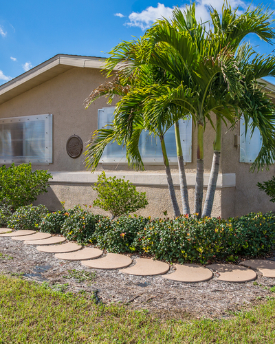Homes for Sale in Shore Acres, FL