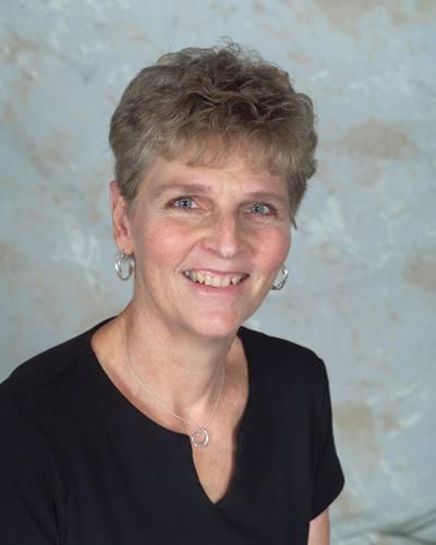 Mae Lyons
