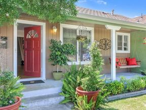 Single Family Home Sold: 161 S Corinth Ave