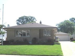 Single Family Home SELLER SAVED $1681: 828 S 98th St