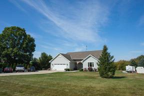 Single Family Home SELLER SAVED $7925: W376N6949 Mallard Ln
