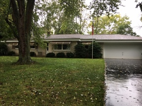 Single Family Home Sale Pending: W172s7165 Lannon Dr