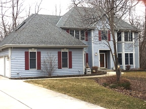 Brookfield WI Single Family Home Sale Pending: $545,000