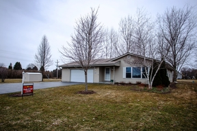 Muskego WI Single Family Home Sale Pending: $309,900