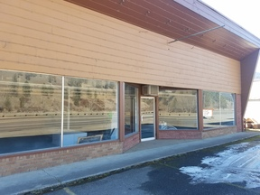 Commercial Awesome Mixed Use Buildi: 11220 Hwy 12