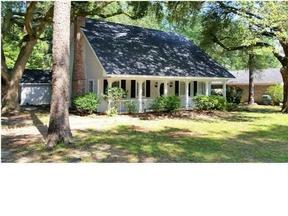 Single Family Home Sold: 124 Wild Oak Dr