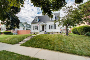 Single Family Home Sold: 1324 Menomonee Ave