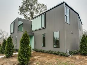 Half Duplex Sold: 4639 Belmont