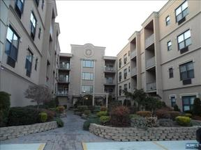 Condo/Townhouse For Sale: 8915 Bergenwood Avenue #Unit 47