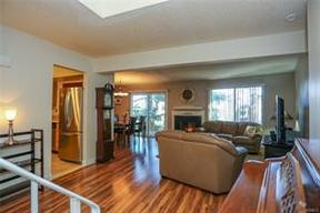 Condo/Townhouse Sold: 272 Treetop Circle