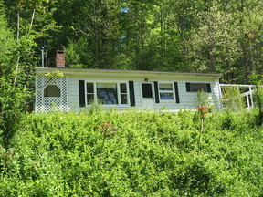 Lease/Rentals Rented: 393 Johnson Rd