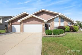 Single Family Home Sold: 8404 Hollybrook Lane