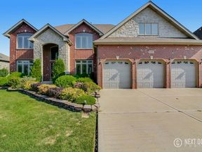 Single Family Home Sold: 10900 Scarlet Dr