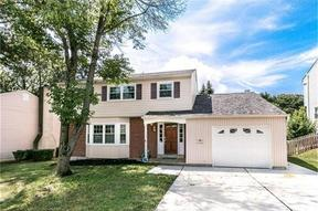 Single Family Home Sold: 1102 S Overhill Ct