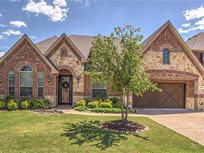 Single Family Home Sold: 2528 Kensington Ln