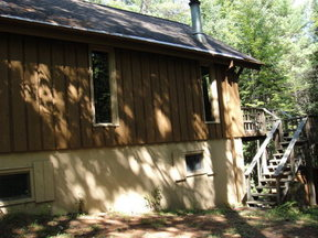 Residential Sale Pending: 35 Cottontail Lane