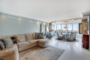 New York NY Condo For Sale: $2,450,000
