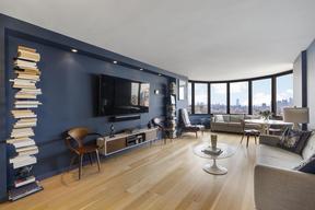 New York NY Condo For Sale: $1,325,000