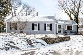 Marblehead MA Single Family Home Under Agreement: $545,000