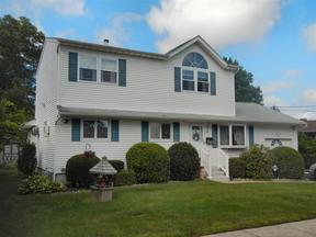 Bay Shore NY Residential Under Contract: $396,500