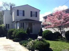 Residential Sold: 100 Hawthorne Ave.