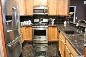 Residential Sold: 715 Kirkland Ct.