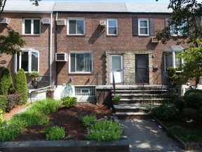 Middle Village NY Single Family Home For Sale: $728,000