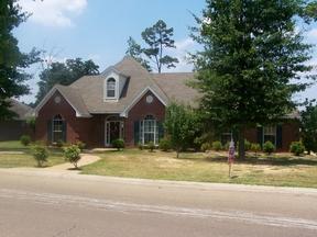 Residential Sold: 133 Live Oaks