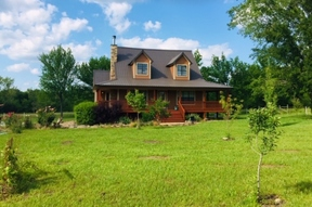 Single Family Home For Sale: 812 Valliant Bypass Rd.