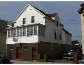 Residential : 199 Bonney