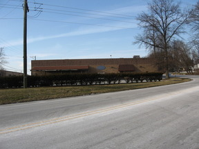 Commercial Listing For Lease: Lincoln Ave. Industrial Center
