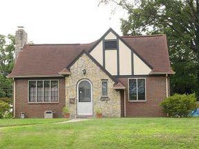 Residential Sold: 1227 E Gum St