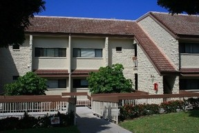 Residential Active: 78-7070 Alii Dr #E102