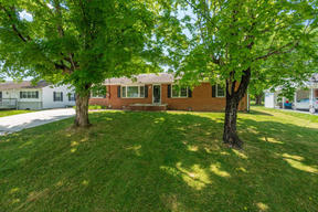 Residential Recently Sold: 206 Willowbrook